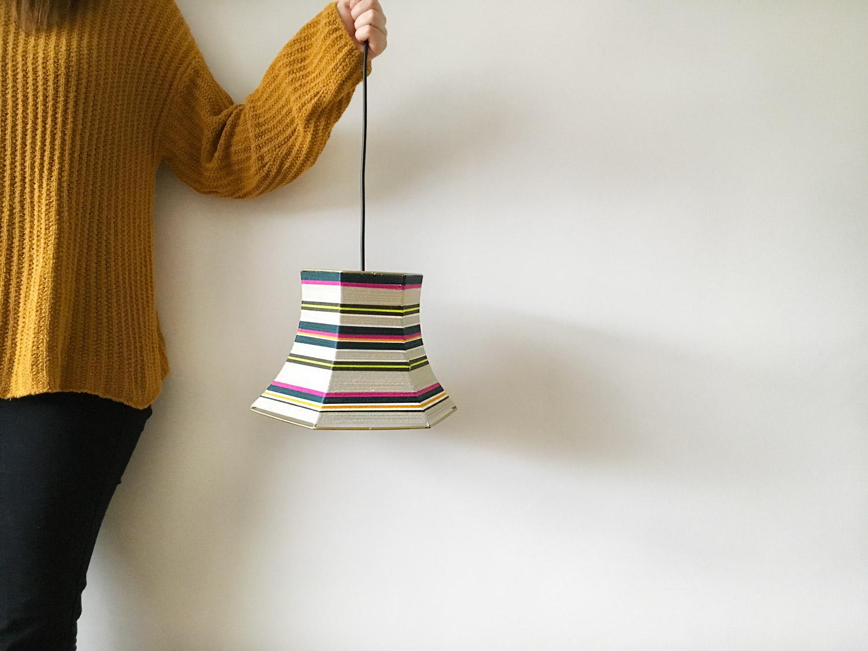 bonbon-lamp-designlamp-diy-zelf-maken-lampenkap-weven-wol-12